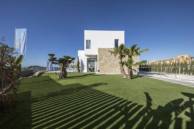LUXURY DESIGNER villas with beautiful SEA VIEWS across the BAY OF BENIDORM