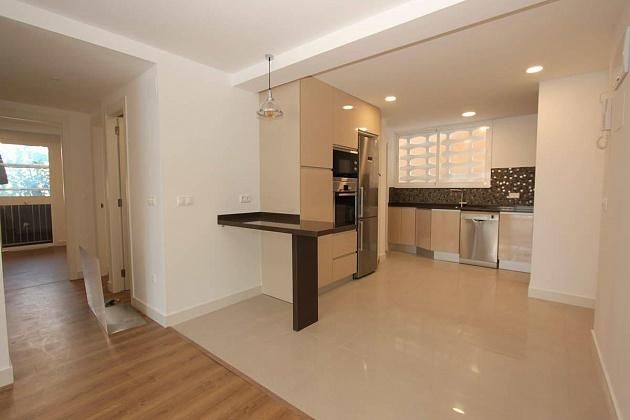 spectacular 3 bedroom apartment in Levante benidorm beach renovated luxury