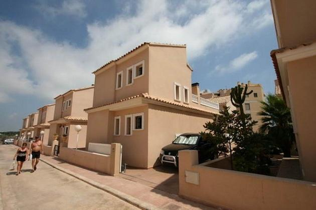 buy villa in guardamar del segura