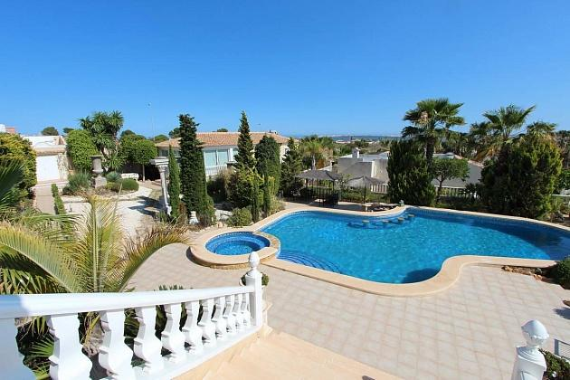 buy villa in rojales